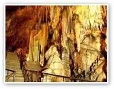 Dim Cave og Dimcay-floden er et af de steder som er et besøg værd om sommeren. Stedet er populært for både turister og tyrkere, som nyder en dukkert i den kolde flod. Der vil være hyggelige frokoster på platforme i vandet og mulighed for en rutche tur ned i det kolde smeltevand fra bjergende.  Ved Dimcay-floden ligger den store dæmning, der sammen med bjergene udgør en smuk naturoplevelse.  Drypstenhulen, DimCave, ligger tæt ved floden. Beliggenhed: 5 km. øst for Alanya