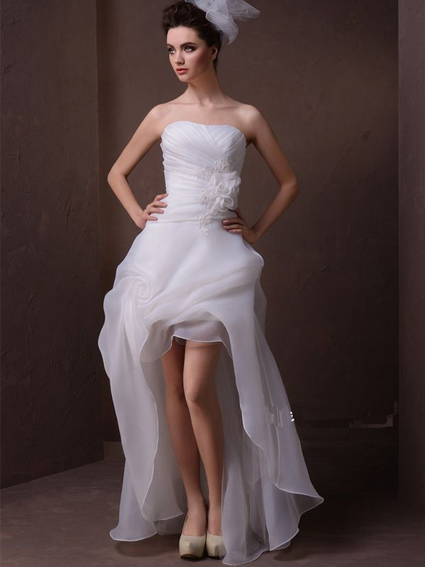 Summer Bride In High Low Dress – If you are planning a simple wedding, you can get a wedding dress that is short at the front and the rear bearing on the ankles