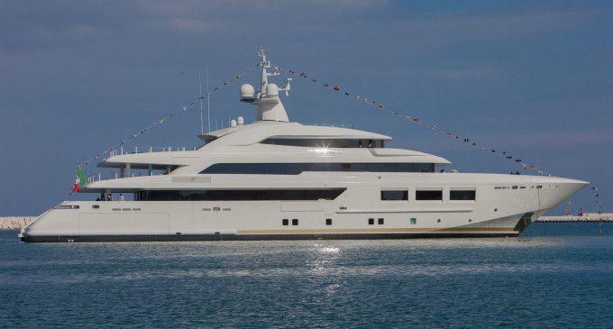 CRN vara M/Y CRN 133: 61 metri made in Italy prodotto ad Ancona