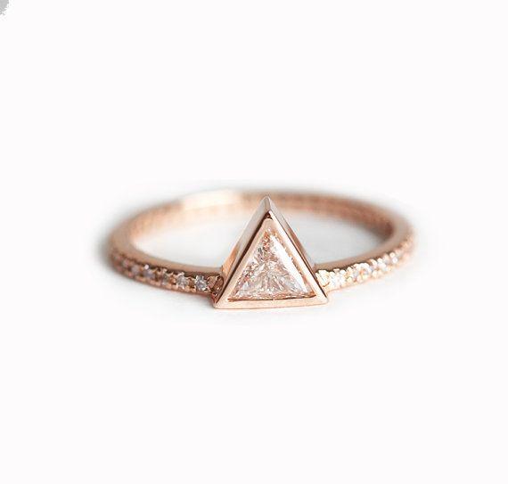 anello di diamante trilioni di 0,3 carati, triangolo Diamond Ring con pavé di diamanti, anello di fidanzamento spianare, 18k anello di fidanzamento oro solido