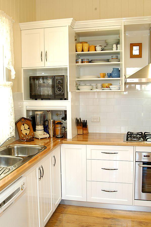 Heritage Tasmanian Oak Kitchen - Glenfield Interiors