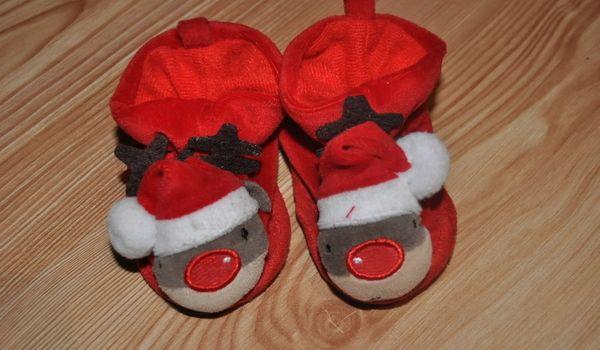 Buciki na święta - renifery 0-6 miesiąca http://dzieciociuszek.pl/products/19587