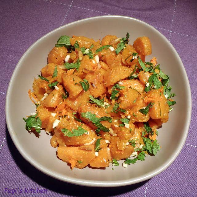 Γλυκοπατάτες με δυόσμο και πορτοκάλι http://www.pepiskitchen.blogspot.gr/2012/01/blog-post_08.html
