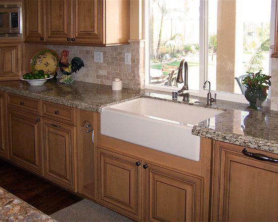 Traditional Kitchen Country Oak Cabinetry Design, Pictures, Remodel, Decor and Ideas - page 11