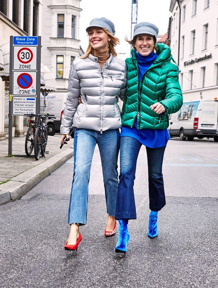 Ältester Styling-Trick der Welt, psst, nicht weitersagen: in engen Jeans mit spitzen Schuhen wirken die Beine doppelt so lang! | Viky in @airfield_fashion #jacket @helmutlang #jeans @dior #hat @balenciaga shoes  Annette in @theseafarerjeans #jeans @dior #cap @balenciaga #shoes