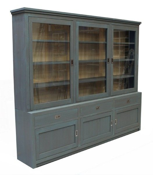 Buffetkast / Winkelkast. Uitgevoerd in de kleur IJsblauw, voor een mooie vintage look!