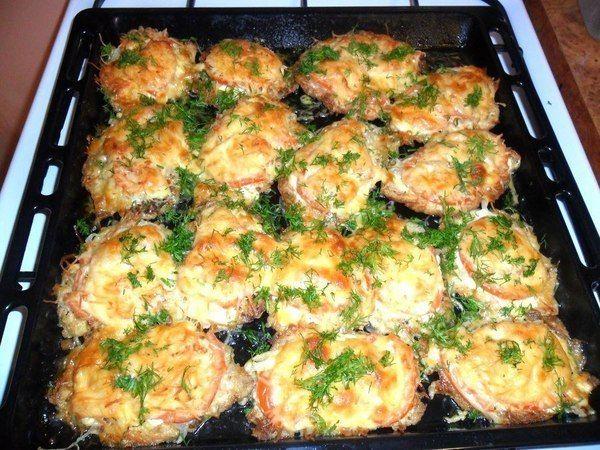Рецепт приготовления свинины в духовке с грибами и сыром