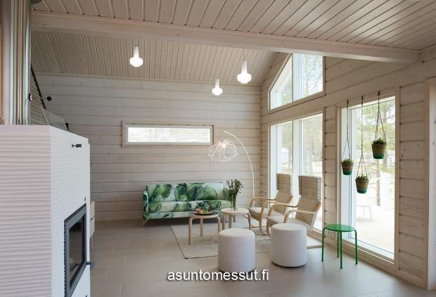 Villa Aava I Tulikiven Valkia Aalto -takka valkoisena.
