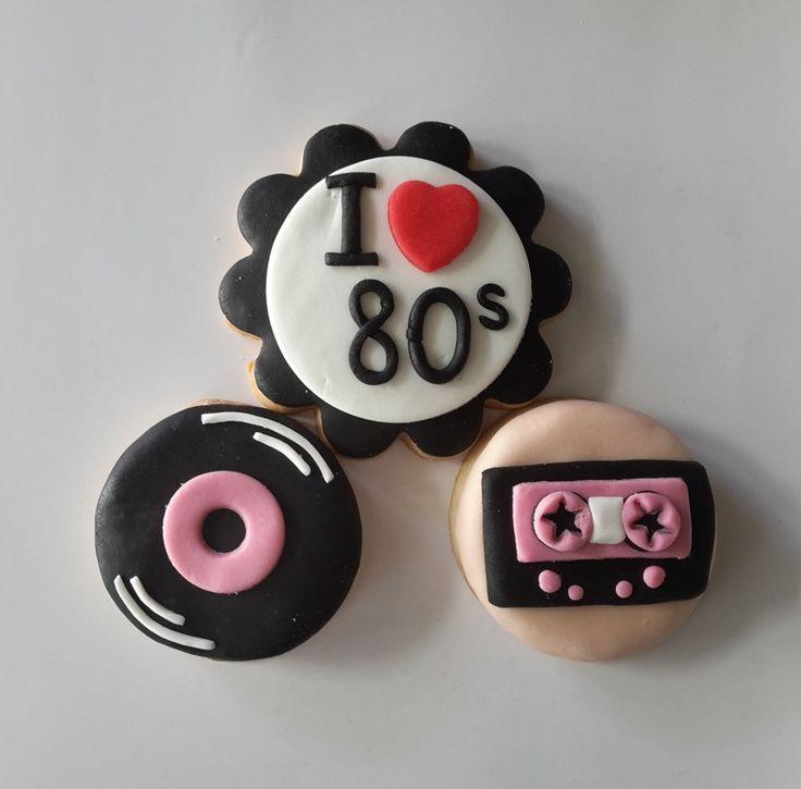 cookizm, şeker hamuru, kurabiye, cookies, iyi ki doğdu, cookie, birthday, doğumgünü, 80's, hediye, gift, tasty, leziz, love, tasarım, design, 80'ler, plak, kaset, pacman, gramophone record, peace, çiçek çocuklar, hippie