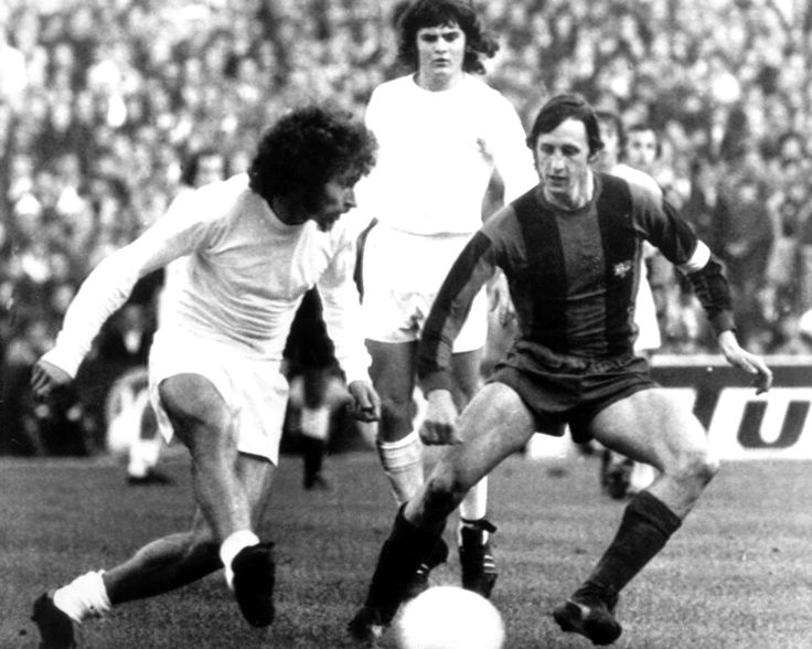 Paul Breitner (left) played for Real Madrid from 1974 to 1977 and came up against Johan Cruyff's Barcelona.