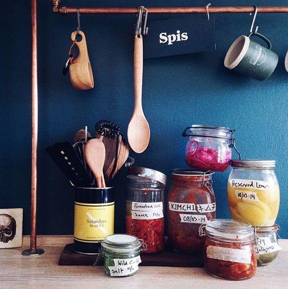 Bungalow5_Kitchen Corners by Chris_2
