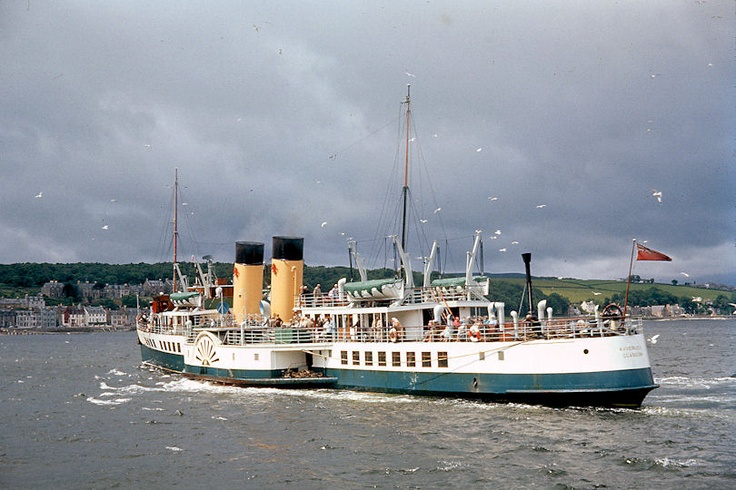 The Paddle Steamer Waverley approaching Bute in 1966. The muted colours look quite fetching