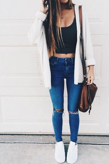 Hooded Thick Cardigan // Black Tank Crop Top // Medium Wash Ripped-Knee Jeans // White Vans // Brown Bag