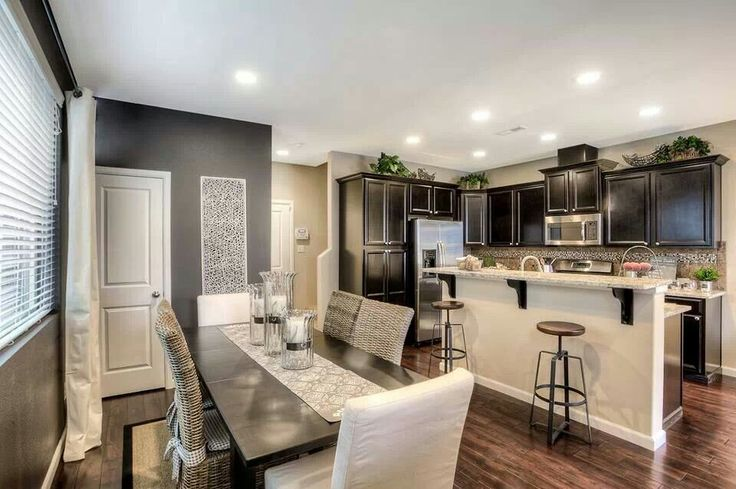 Lennar Homes kitchen/dining combo