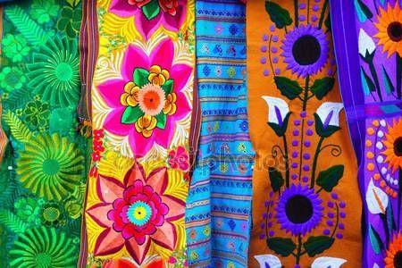 Herunterladen - Farbenfrohe mexikanische Sierpe Stoff handgefertigt — Stockbild #5508988