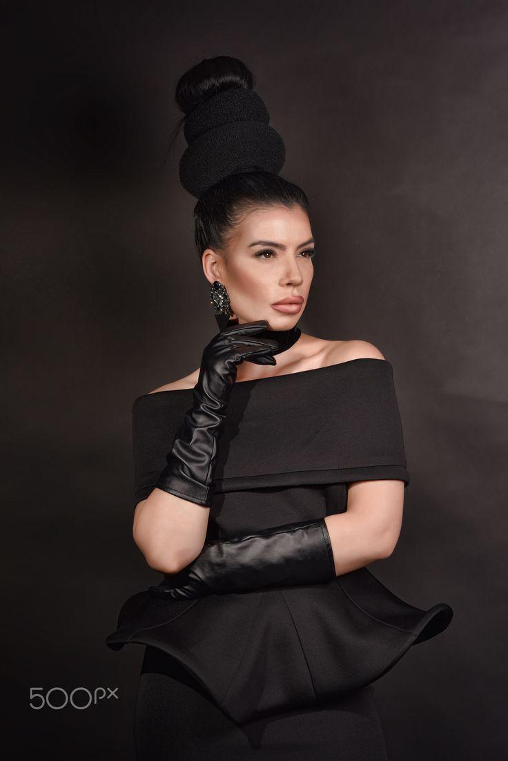 Vogue Fashion - null