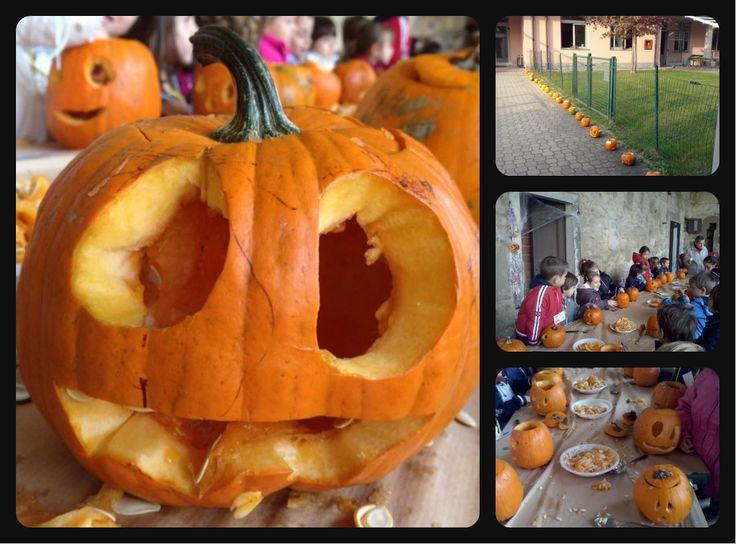 intagliando le zucche di Halloween con i bimbi della scuola dell'infanzia