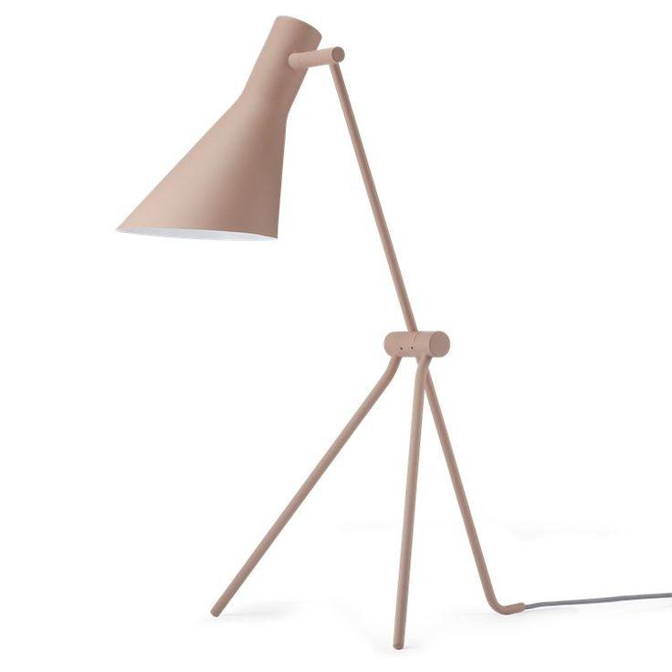 Hvis du forelsker dig i en Twiiiter lampe, så kan vi glæde dig med at denne klassiker også findes som gulv- og væglampe.
