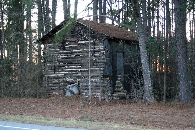 Antique Tobacco Barn North Carolina | old log tobacco barn these old barns are fading fast such a shame