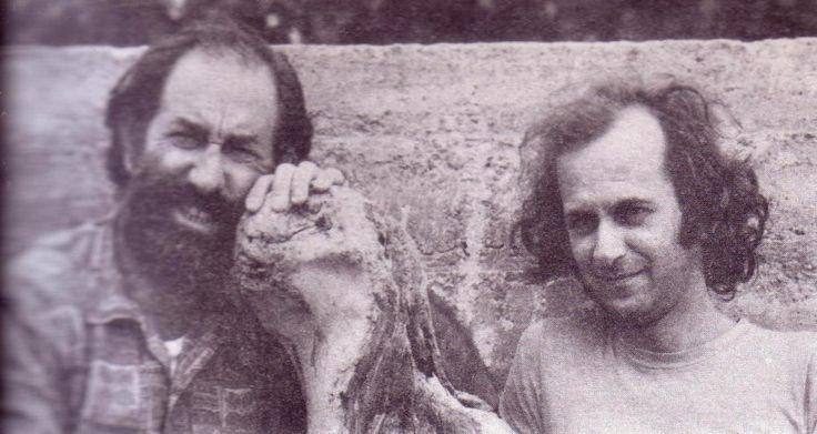 Ο Ηλίας Πετρόπουλος με τον ζωγράφο Αλέξη Ακριθάκη (1971)