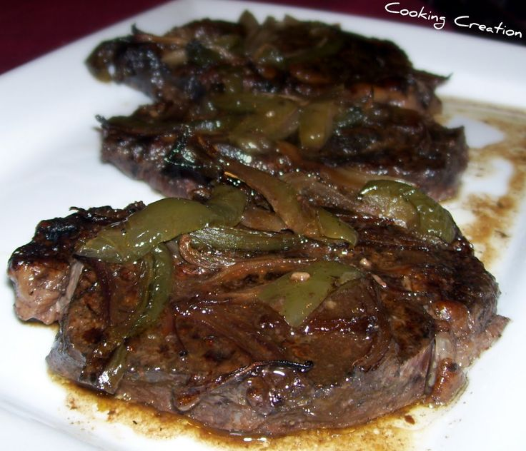 Cooking Creation: Chuck Eye Steak with Onion & Green Pepper in Red Wine Sauce (Crock Pot)