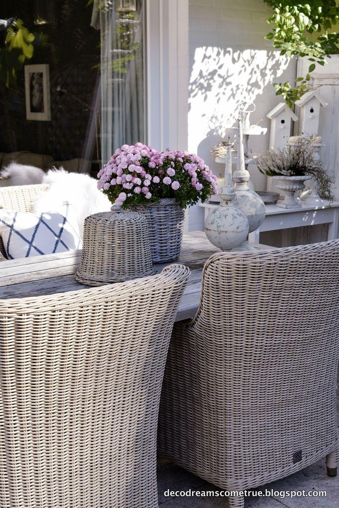 …an einem so tollen Herbsttag wird unsere Terrasse immer noch voll genutzt.   … – Elke Veit