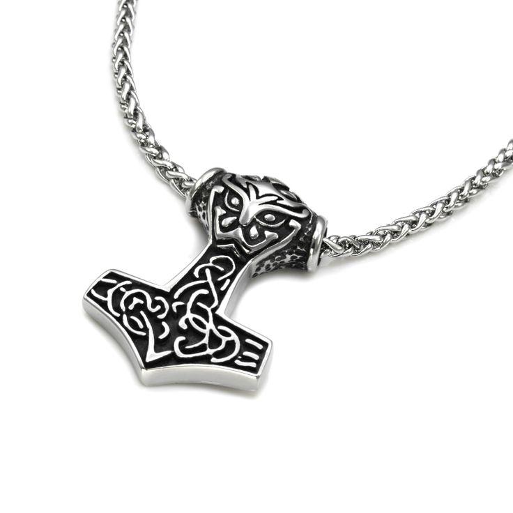 Pent Tors hammer smykke anheng i støpt rustfritt stål, kommer med pent halskjede. Gavetips for vikinger i alle aldre.