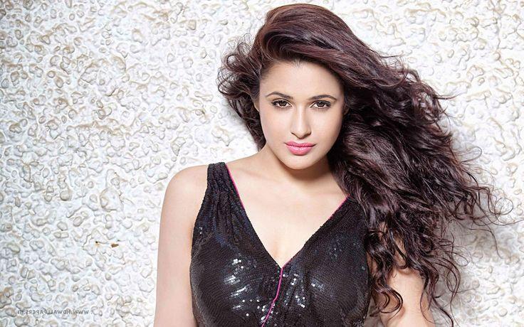 Yuvika Chaudhary hot photos