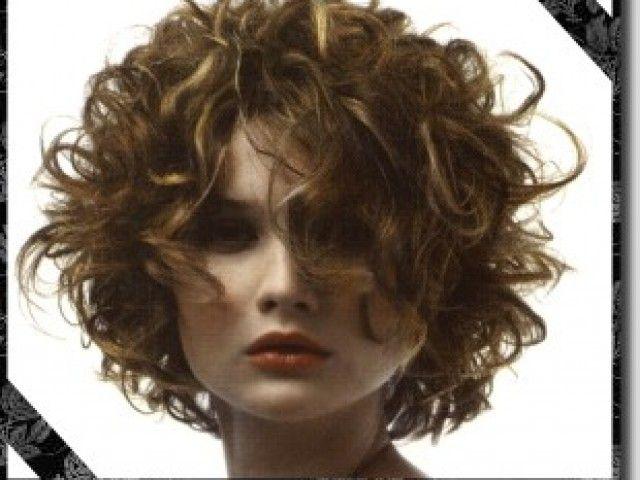soft-curly-bob-hairstyle-2wn5dxlsxyug427dzbqaru.jpg (640×480)