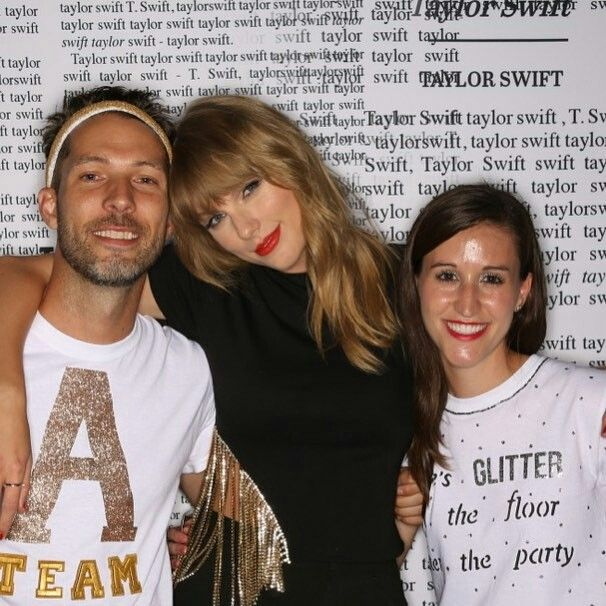 Pin By Aldrich Molina On Taylor Swift Meet And Greet Taylor Swift Pictures Taylor Swift Fan Taylor Alison Swift