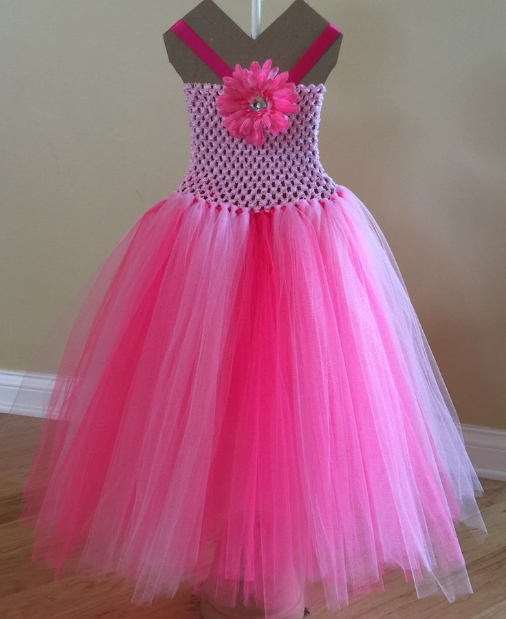 Pink Princess Dress would look adorable on your little girl for any special occasion or just to play dress up. Comes in a verity of different sizes.