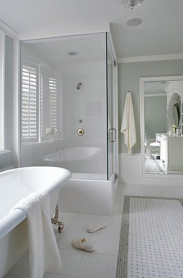 neutral wall color with classic marble. Transitional style!