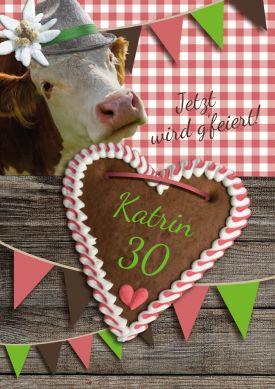 Witzige Einladungskarte zum Geburtstag in rustikalem Alpenlook mit Kuh und Lebkuchenherz
