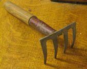 Garden Fork , Hand Held Garden Rake , Gardening Tool