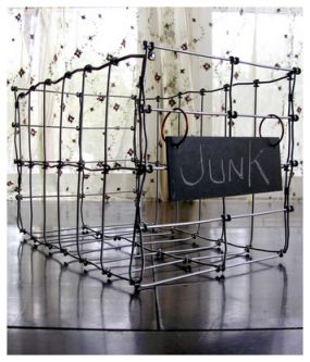 WIRE BASKET: Wirebaskets, Hog Wire, Wire Works, Baskets Boxes Crates, Wire Baskets, Craft Ideas, Organization Ideas, Christmas Ideas, Bach Ideas