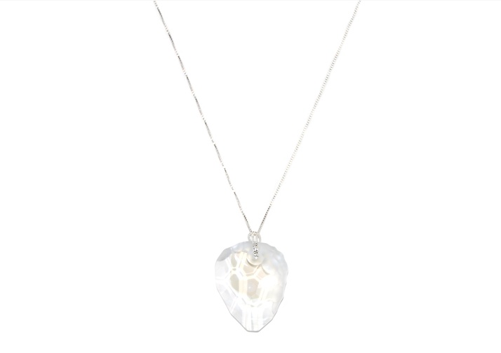 Crystal pendants are a simple elegance via zabejewellery.com #zabe