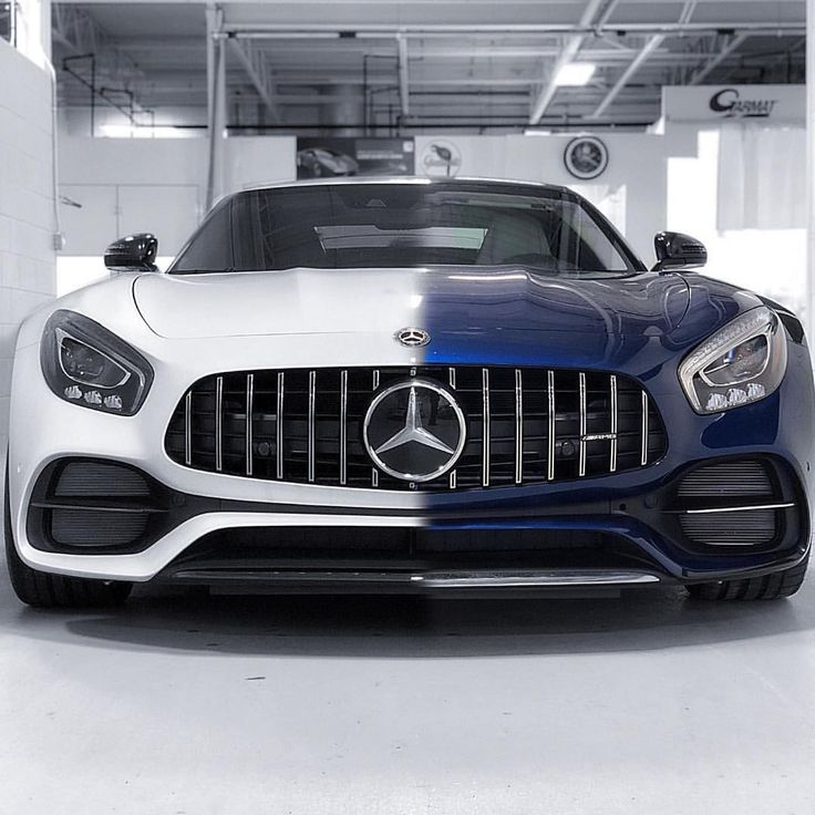 "232.2k aprecieri, 1,852 comentarii - Mercedes-Benz (@mercedesbenz) pe Instagram: ""Left ⚪️ or right ? Photo shot by @mboakville. __________________ Mercedes-AMG GT C - Fuel…"""