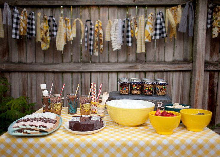 Last week we shared a few recipes from our little backyard bonfire party—we had so much fun making fancy s'mores and enjoying frozen hot chocolates! And here is our super simple take on party favors: trail mix jars. Having little treats for guests to take home can be such a fun little end to any get-together. Favors can be anything that reflect the vibe of the event, and should be...