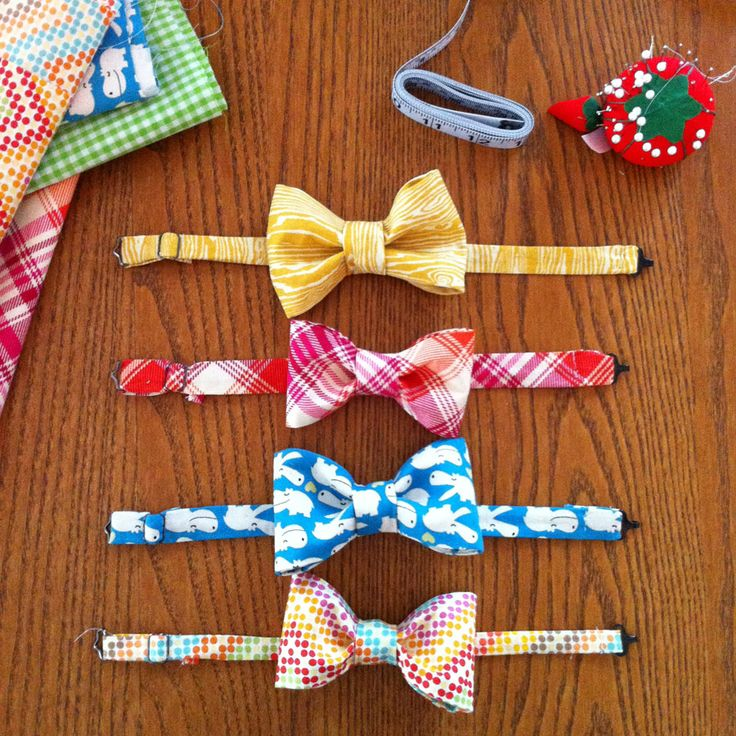 I came across an amazing tutorial on how to easily make a bow tie on prudentbaby.com. My close friend Amy and I became obsessed with making them for an Easter photoshoot with my boys, so we immedia...