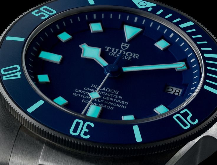 Discover the Tudor Pelagos, the ultimate mechanical divers' watch waterproof to 500 metres, on the Official Tudor Website