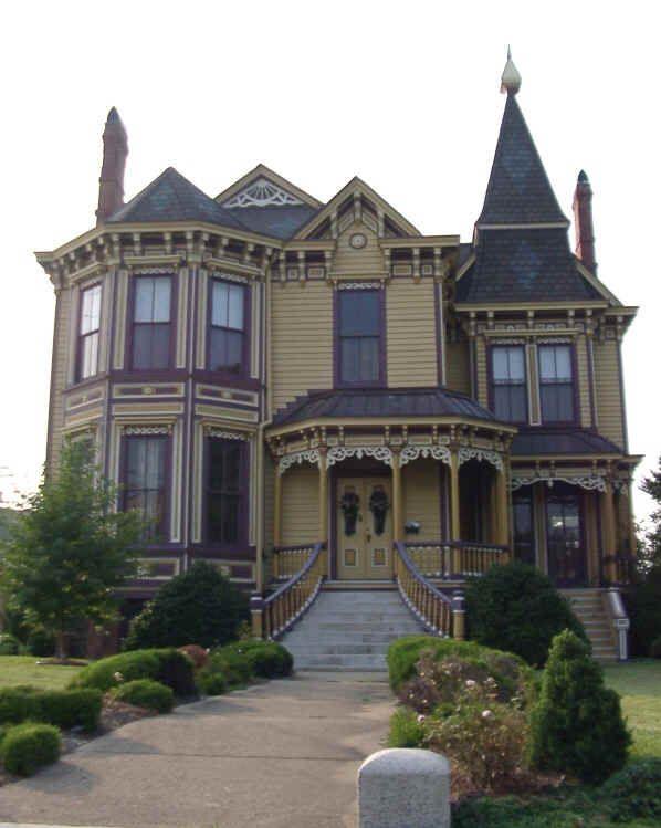 "Thomas House - ""Mansion on Main"" (circa 1889).  Smithfield, VA"