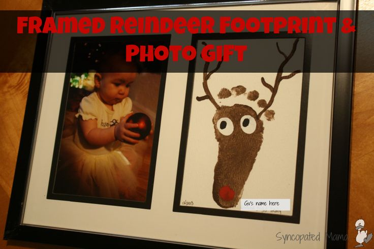Syncopated Mama: Framed Reindeer Footprint and Photo Gift. Perfect DIY gift for baby's first Christmas. Great gift for grandparents.