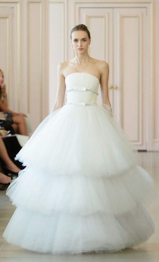Oscar de la Renta Spring 2016 wedding gown