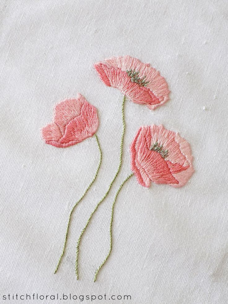 Dancing poppies: hand embroidery freebie!  #floral_embroidery #poppies_embroidery #embroidered_flower