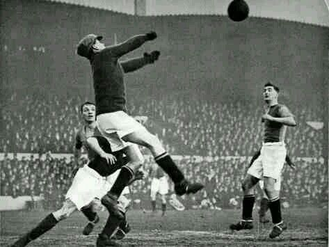 Arsenal 2 Mansfield Town 0 in Jan 1929 at Highbury. Action from the FA Cup 4th Round tie.