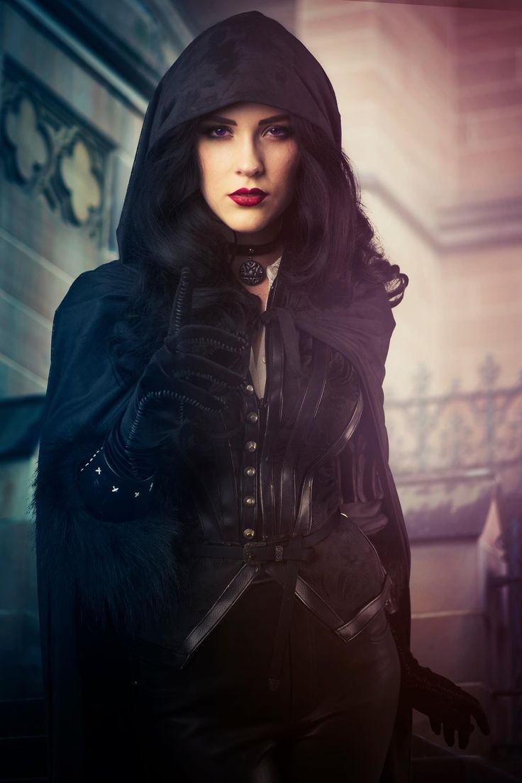Character: Yennefer of Vengerberg / From: Andrzej Sapkowski's 'The Witcher' Short Stories and Novels & CD Projekt RED's 'The Witcher' Video Game Series / Cosplayer: Ally McLean (aka Eve Beauregard)