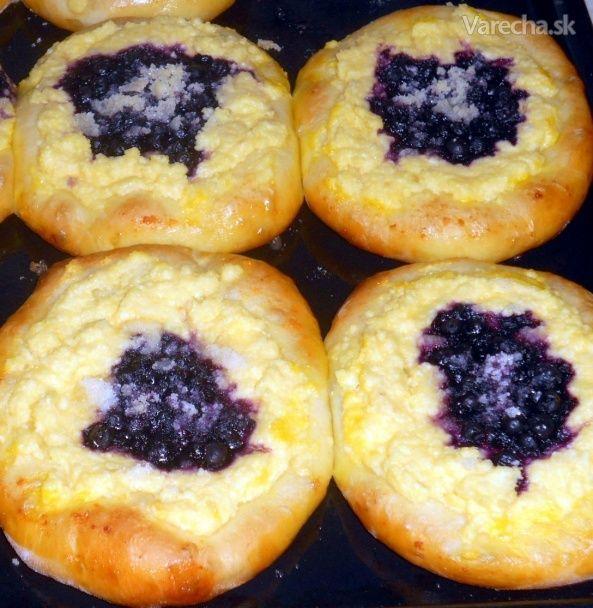 Tvarohové koláče s čučoriedkami (fotorecept) - Recept