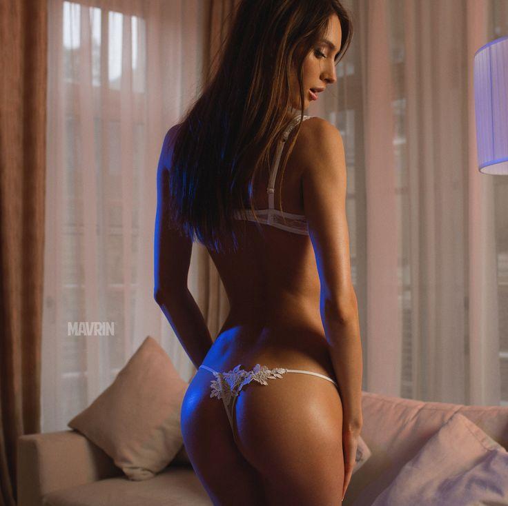 paru female nude models