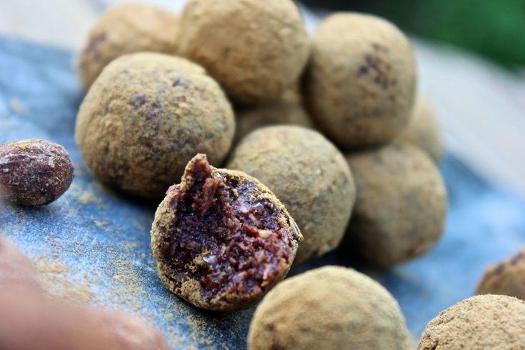 Kan varmt rekommendera denna paj till helgens tacokväll, supergod!! : D   Ingredienser  Pajdeg 3 dl mandelmjöl 0,5 dl skalde sesamfrön 1 ägg 1 msk fiberhusk 40 g smör eller kokosolja...