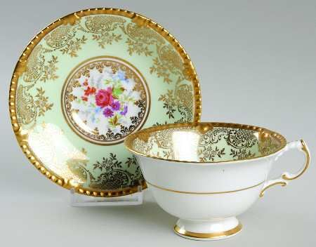 Paragon Hyde Park Footed Cup & Saucer Set